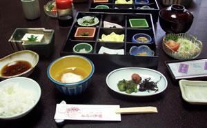 旅館の朝食.jpg